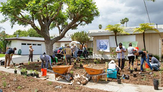 Volunteers creating an Ocean Friendly Garden